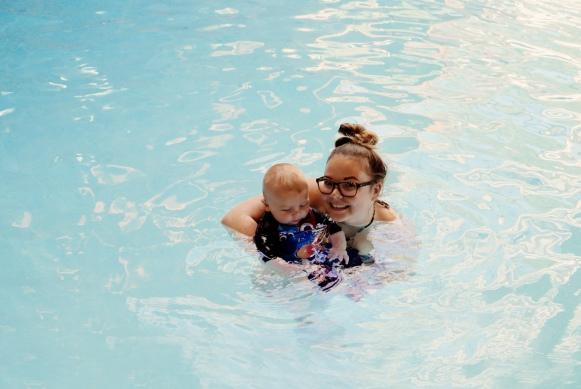 oh-so-mummy-arlos-first-swim-5