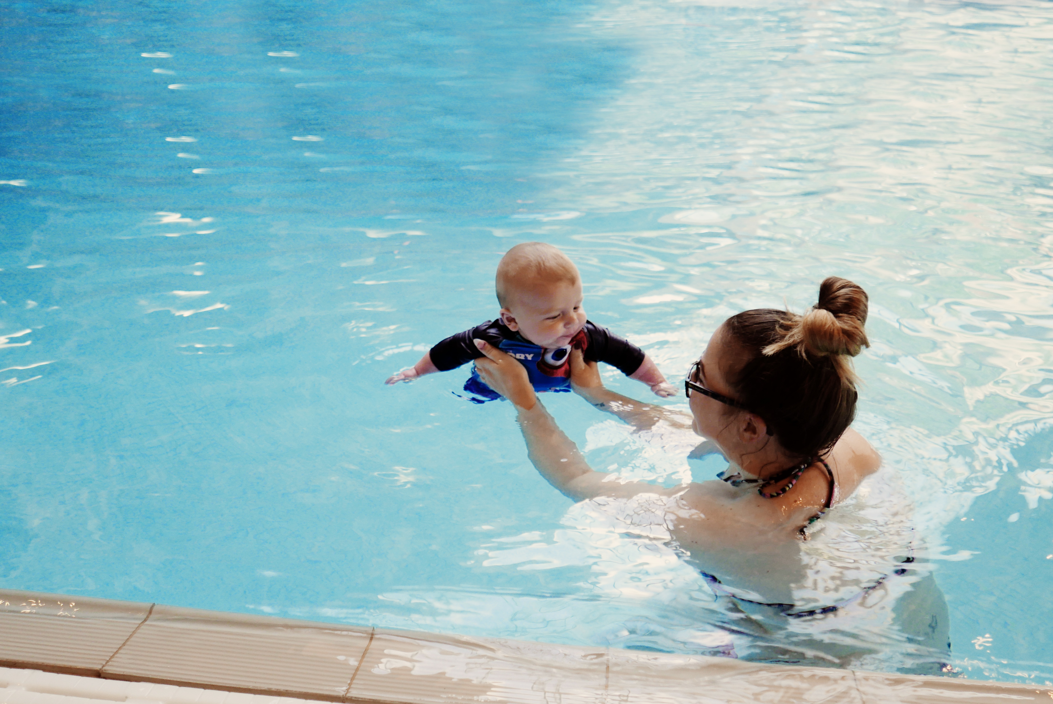 oh-so-mummy-arlos-first-swim-6